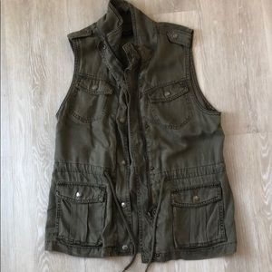 Max Jeans olive green super soft vest